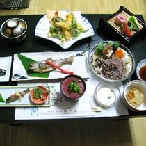 *【夕食一例】山女・イワナの塩焼きなどの安倍川の幸や、春〜夏は山菜料理をご賞味あれ!