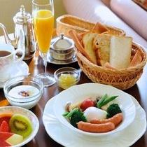 朝食は、ルームサービスで