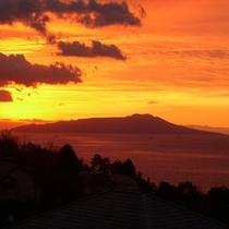 大島の朝焼け