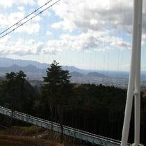 遠く相模湾、三保の松原、南アルプス、極めつけは、日本一の富士山を望む!日本一の歩行者専用大つり橋
