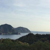 西伊豆、恋人岬の高台から望む