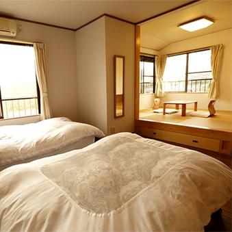 ベッドルーム+和室★清流を望む2階角部屋和洋室 2面採光★