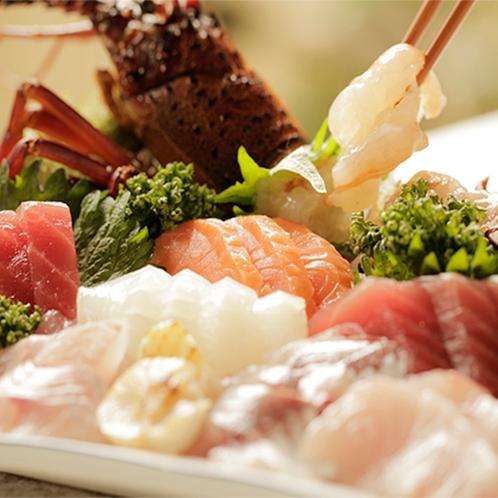 【食事】季節のお料理一例 伊勢エビ付 お刺身盛り