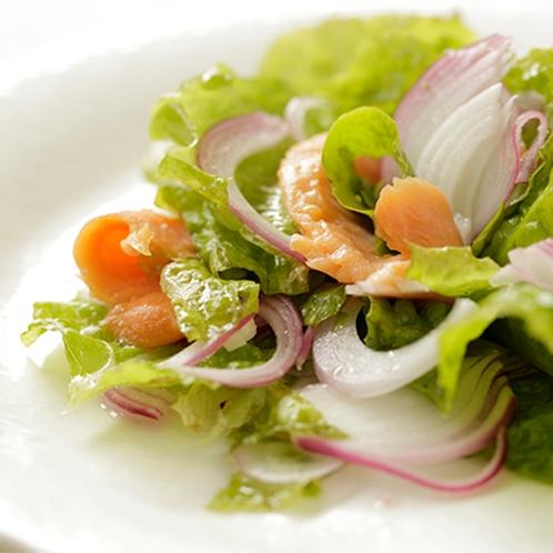 【食事】季節のお料理一例 サラダ