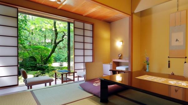 庭園側和室B 檜内風呂付 ‐和庭園臨む10畳または8畳‐