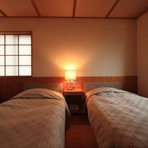 081_部屋_本館和洋室
