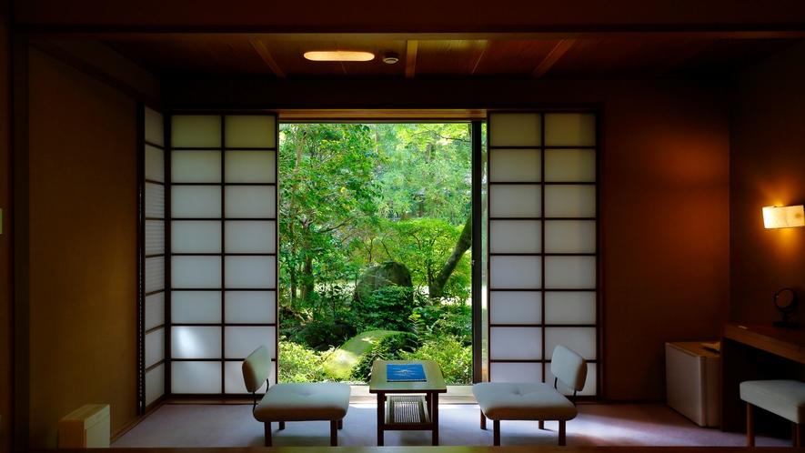 【庭園側和室 桧内風呂付】イメージ01