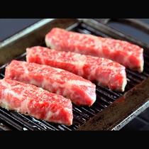 【幻の名牛鳳来牛のステーキ】
