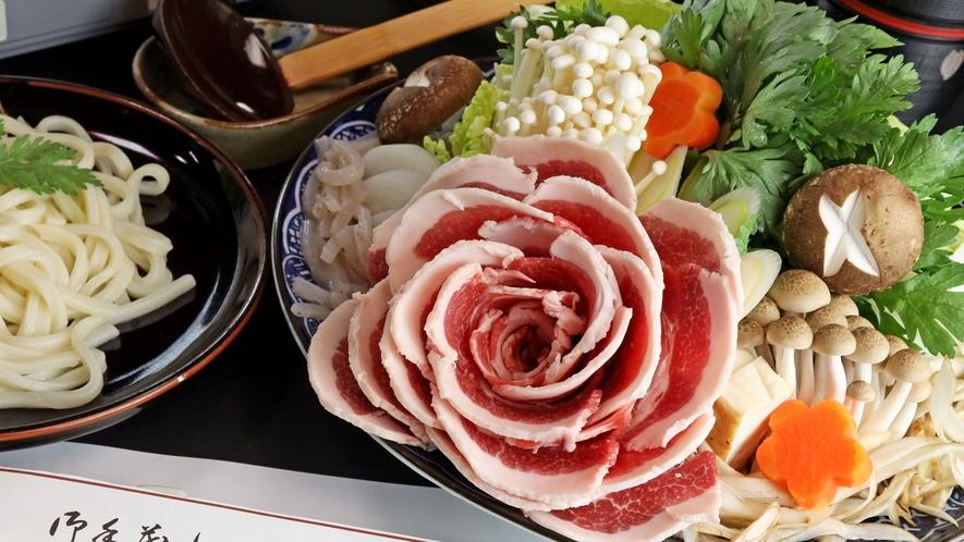 ■【冬季限定のしし鍋 】寒い季節にピッタリ!アツアツの味噌仕立ての当館特製しし鍋☆