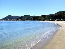 このビーチが宿から一望