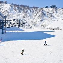 *石打スキー場/真横に当館がございます。