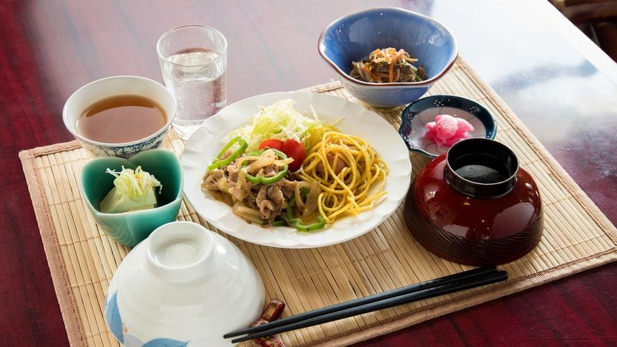 *夕食一例/連泊のお客様は夕食内容が異なります。