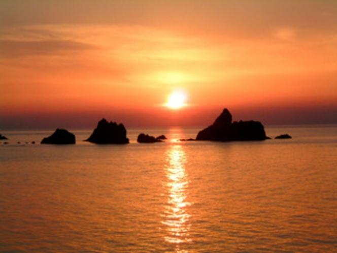 穴見海岸(夕日)