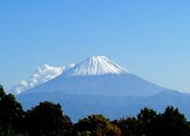 秋色の富士。清里から