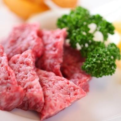 スタンダードのお料理に超極上・霜降り【国産黒毛和牛】鉄板焼き一人分を二人でシェア♪
