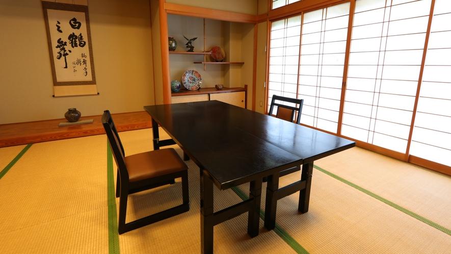 足腰の悪い方にも安心テーブル席【食事処】