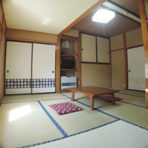 *【部屋/10畳】5名様までご利用いただける純和風のお部屋です。