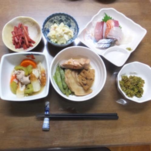 *【夕食一例】地場の食材を大切にした料理はどれも絶品!ご飯がどんどんススミます♪