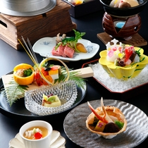 ◆季節の会席※一例/色鮮やかな目にも楽しいお食事をご堪能ください。