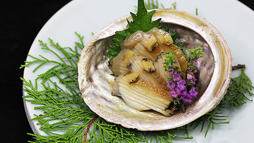 甲州名物「あわびの煮貝」をご賞味ください。※イメージ