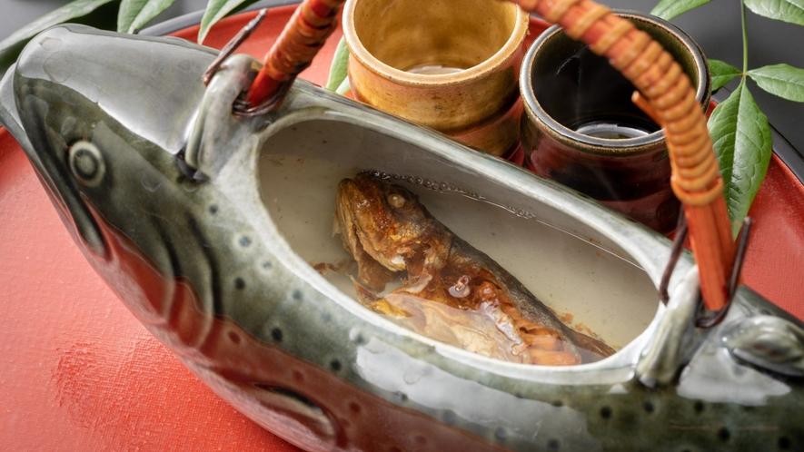 【お飲み物】岩魚の骨酒。身体の芯から温まります♪