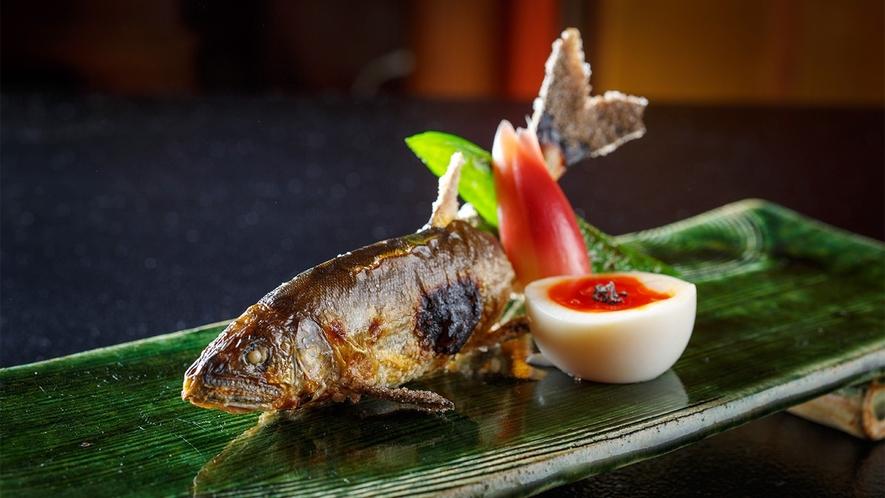 飛騨産天然鮎の塩焼き ※写真はイメージです。