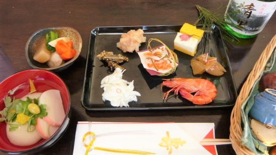 お正月の朝食は自家製のお節料理とお雑煮です。