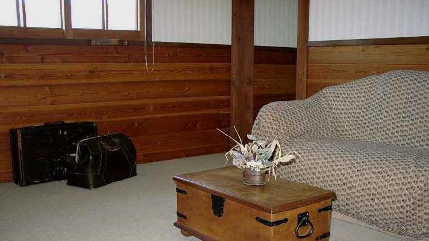 ペンション客室は、2人部屋も4人部屋もリビングルームつきですので、ゆったりと過ごせます。