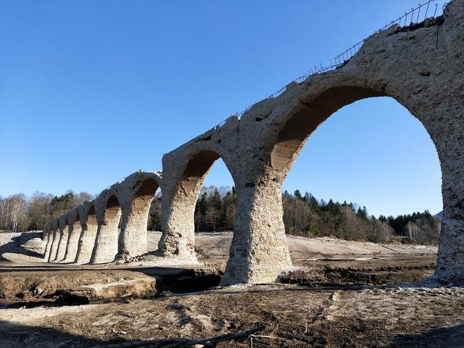 タイシュベツ川橋梁。