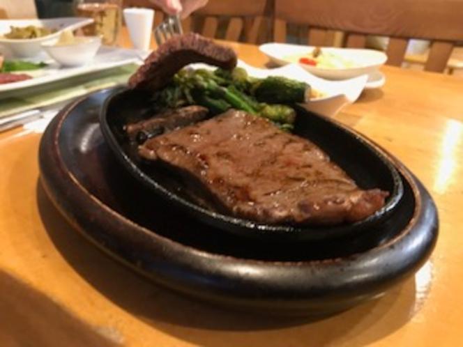 ナイタイ和牛ステーキ。