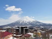【~眺望~ニセコの雪景色】羊蹄山(※新館の一部客室からのみご覧いただけます)