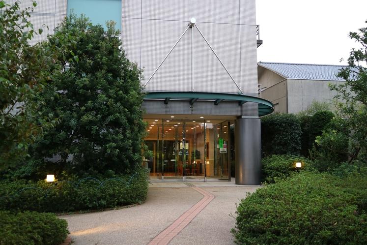 【道順】ホテルはバス停「光の丘5番」の目の前にございます