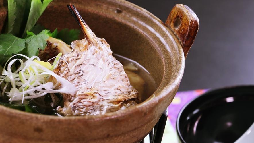 ■【ご夕食一例・日替わり定食】海鮮鍋も季節に合わせて旬を取り入れています。