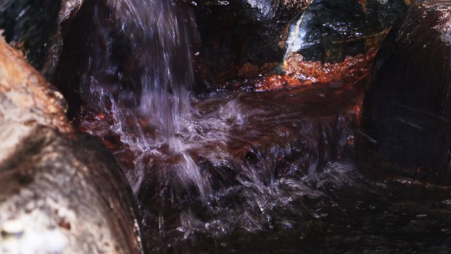 ■【温泉・男湯】加水・加温・循環は一切なし。濃厚な源泉かけ流しです。