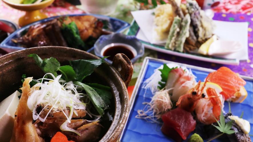 ■【ご夕食一例~桜御膳~】ボリューム満点・赤魚の煮付けや海鮮鍋、天ぷらなど手作りの品々が並びます。