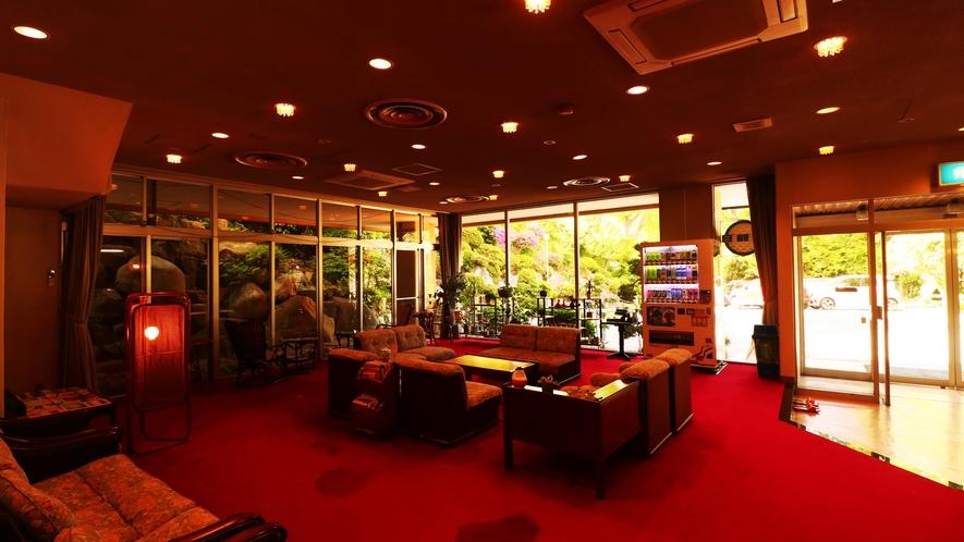 ■【館内】懐かしい雰囲気のロビー。旅に来た、という感覚に。気の良い館主がお出迎え致します。