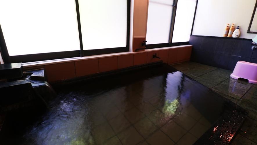 ■【温泉・女湯】美肌の湯とも言われる湯本温泉を贅沢なかけ流しで。