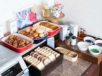 朝食ブュッフェ パンコーナー