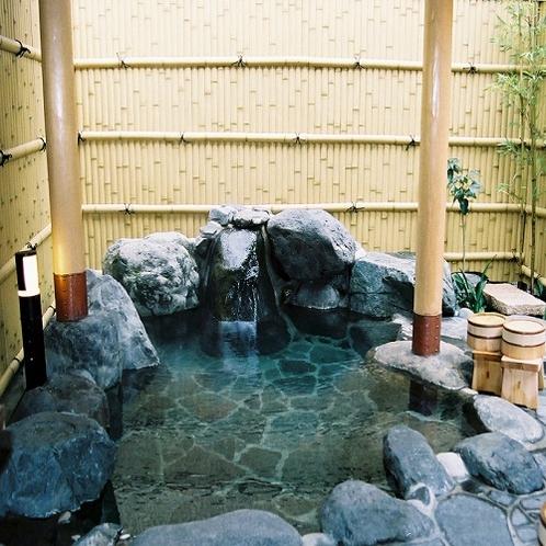 【湯の華】貸切露天風呂