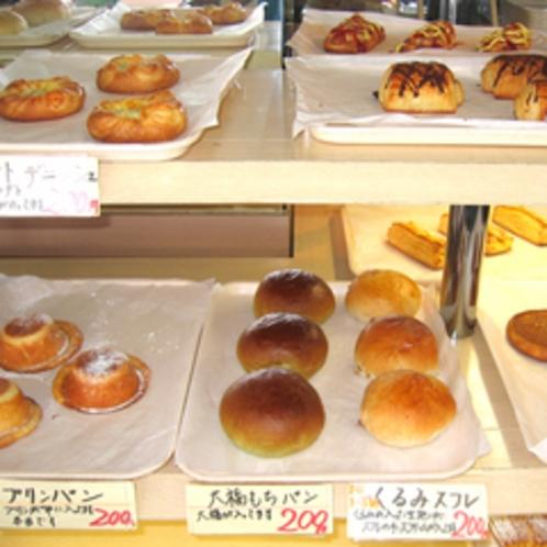 *パン屋さんの店内