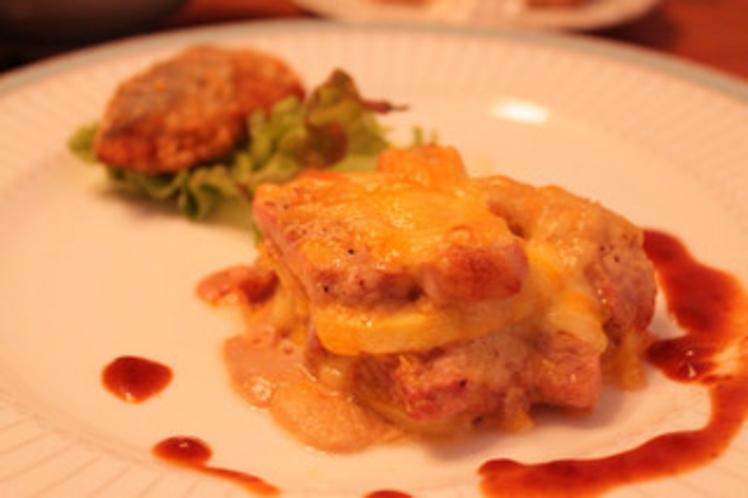 みゆき豚とりんごのチーズ焼き