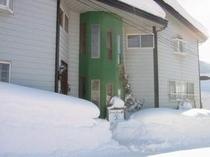 施設雪景色