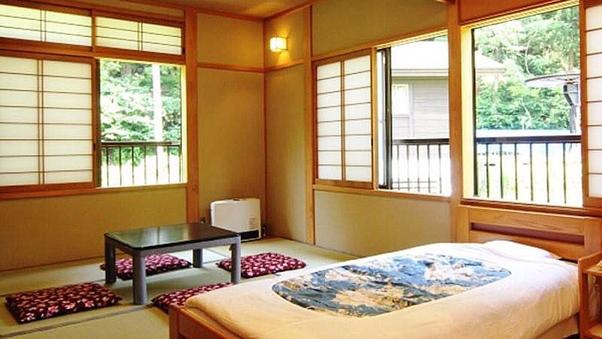 1日1室【1〜6名様】ベッド派も安心の和洋室 バス・トイレ付