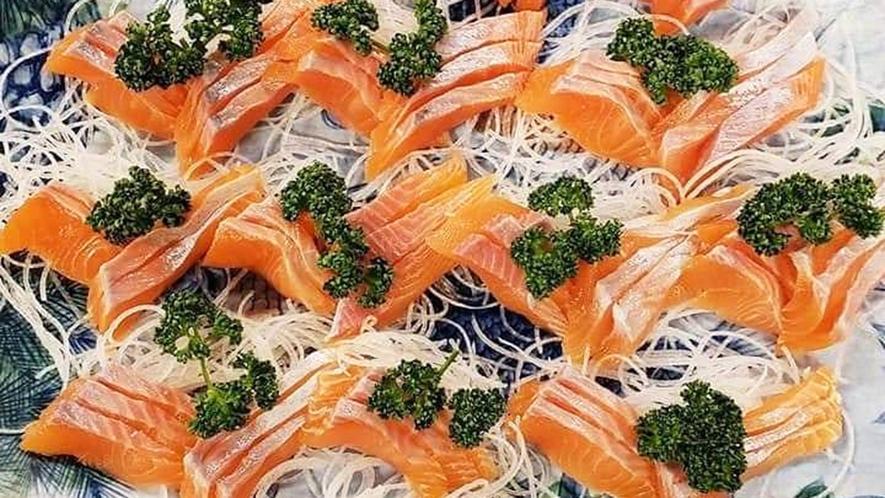 ・【料理一例】信州サーモンお造り