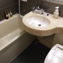 バスルーム、全室改装工事済み