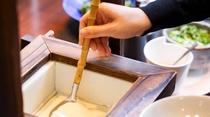 <朝食>人気の作り立てお豆腐コーナー