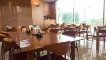 1階レストラン