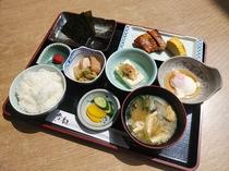 朝定食(700円税別)