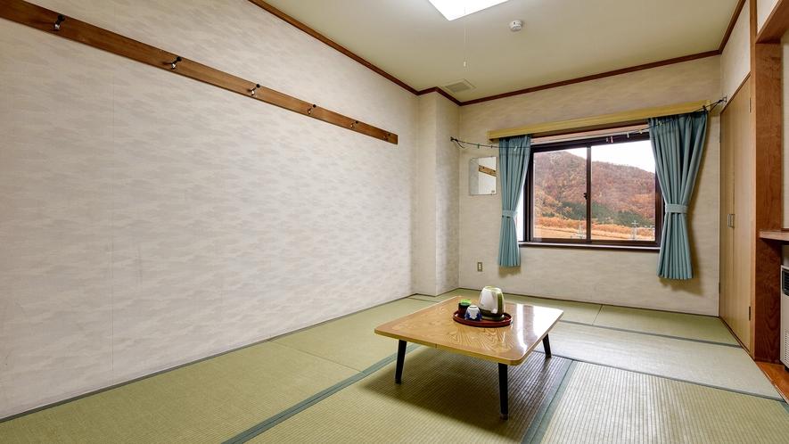 *和室(バストイレなし)/畳のお部屋で足を伸ばしてお寛ぎ下さい。