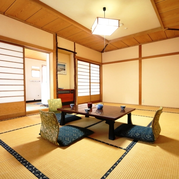 和室12畳のお部屋になります